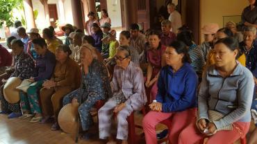 Từ thiện Lễ húy kỵ cố HT Như Thọ - Phần 1: Phát 100 phần quà cho hộ nghèo tại chùa Cổ Lâm