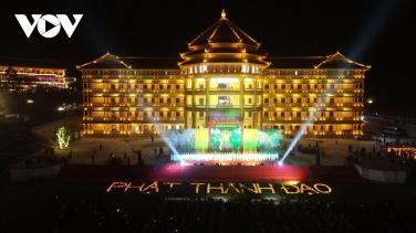 Lung linh ngày Phật thành đạo tại Học viện Phật giáo Việt Nam