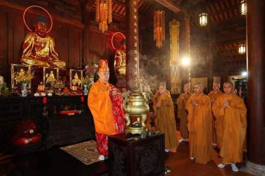 Lễ Giao Thừa - Thầy Định Thành