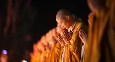 TƯGH yêu cầu Tăng Ni, Phật tử cấm túc chống dịch