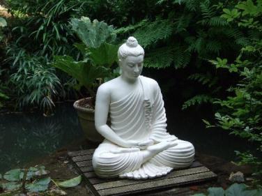Thờ Phật trên bàn học có được không?