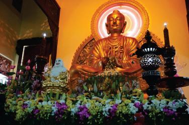 Đạo Phật không dành cho người giàu, đạo Phật dành cho người có tâm
