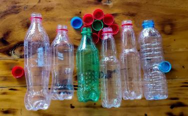 Phát hiện enzyme vi khuẩn có thể phân huỷ chai nhựa chỉ trong vài tiếng