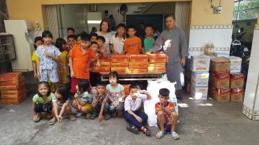 Chùa Bửu Đà: hỗ trợ Trung tâm Phổ cập Phường 25, quận Bình Thạnh