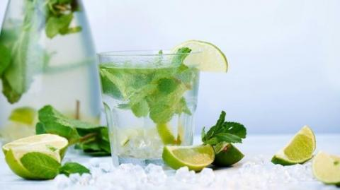 5 thức uống giảm mụn