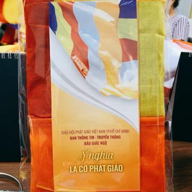 Hưởng ứng chương trình: Một vạn lá cờ mừng Phật đản của Ban Thông tin truyền thông