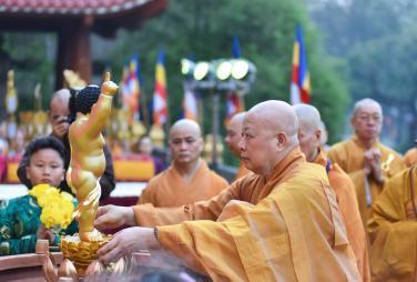 Hoà thượng Định Thành Khai Thị Mừng Phật Đản