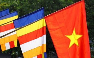 Quy định về treo cờ Tổ quốc và cờ Phật giáo tại tư gia