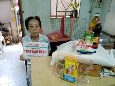 Chương Trình Hạt Gạo Từ Bi - Khu vực xung quanh chùa tháng 6/2018
