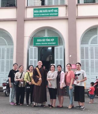 Chùa Bửu Đà: Phát Quà tại BV Nhi Đồng 2 Nhân Ngày Quốc tế Thiếu nhi 2019