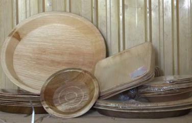 Sản xuất chén, dĩa, muỗng bằng 'Mo cau' để thay thế đồ dùng 1 lần làm từ nhựa.