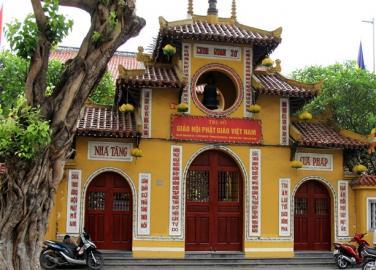 Chùa Trấn Quốc, chùa Quán Sứ: Biểu tượng của văn hóa dân gian và tín ngưỡng Phật giáo