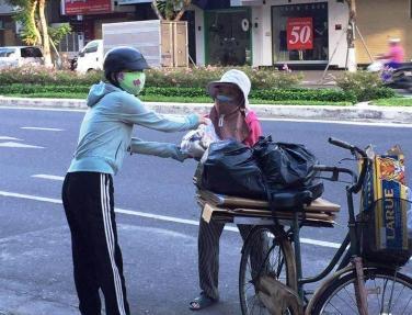 Chùa Bửu Đà chia sẻ với người dân Đà Nẵng, Quảng Nam