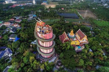 Kiến trúc độc đáo của ngôi chùa Wat Samphran, Thái Lan