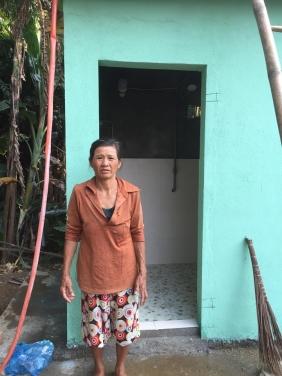 Chùa Bửu Đà hỗ trợ xây nhà vệ sinh cho gia đình nghèo tại Đại Đồng - Quảng Nam