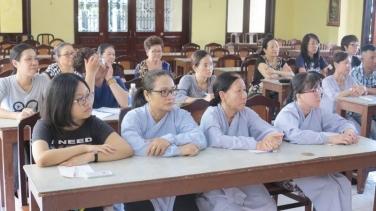 Hài kịch 'con không cho mẹ đi chùa' của lớp giáo lý chùa Bửu Đà