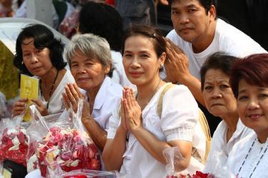 Trở lại đạo Phật, có cần quy y Tam bảo lại không?