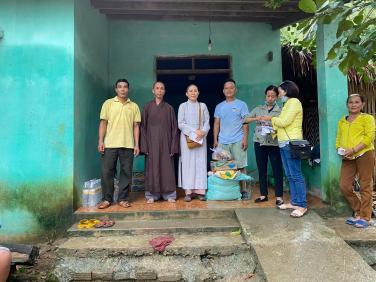 Chùa Bửu Đà: cứu đói 67 hộ đồng bào dân tộc sau bão số 9 tại Nam Giang (Quảng Nam)