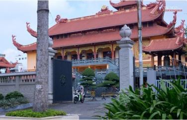 Các chùa và đường phố Sài Gòn ngày đầu nới lỏng giãn cách xã hội