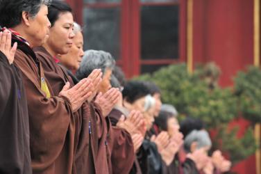 Phật dạy trách nhiệm của người tại gia