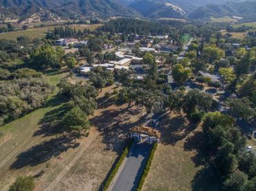 Ngôi trường Phật giáo trong lòng tu viện ở miền Tây Hoa Kỳ