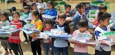 Chùa Bửu Đà: chia sẻ đến các em học sinh bị ảnh hưởng bởi lũ lụt tại Quảng Bình