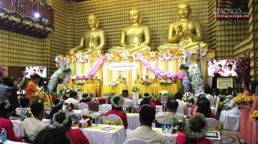 Xúc động lễ hằng thuận tập thể tại chùa Giác Ngộ