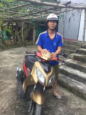 Chùa Bửu Đà: Trao tặng xe máy cho em Nguyễn Minh Đức ở Đại Đồng - Quảng Nam