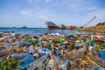 Báo động đỏ về ô nhiễm rác thải nhựa tại Biển Đông