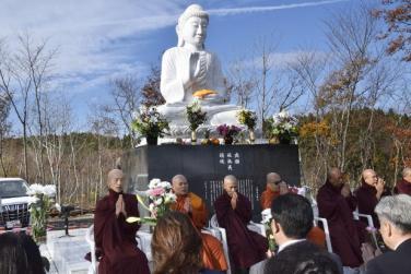 An vị Phật tại vùng đất bị tai nạn sóng thần năm 2011